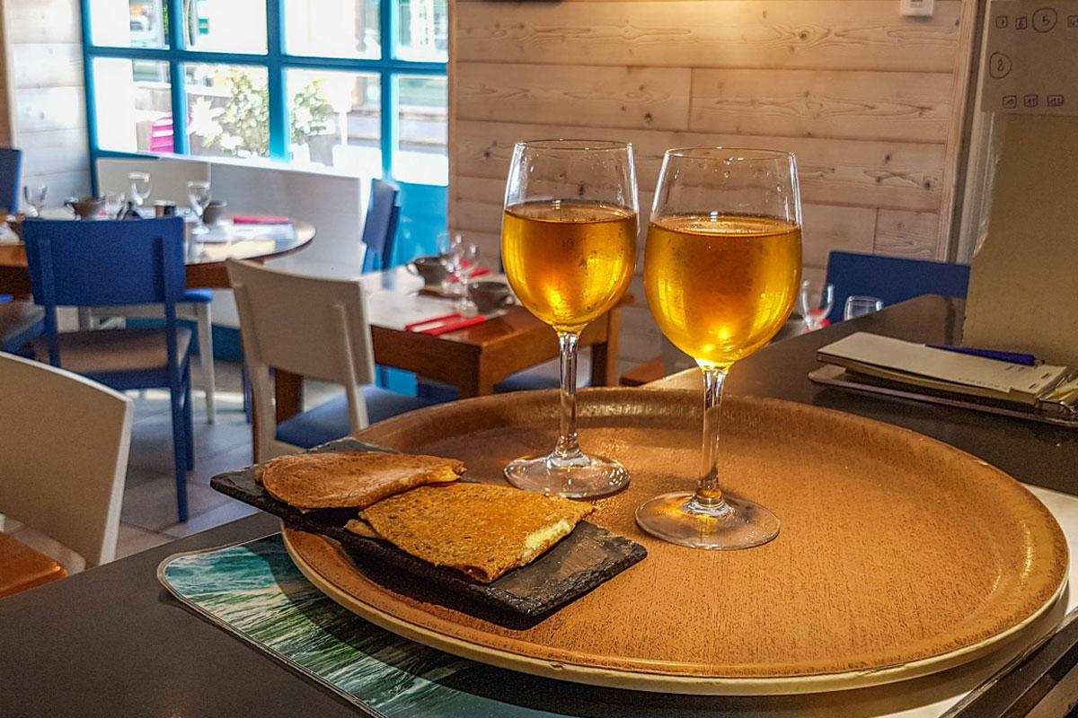 Deux verres de cidre de Bretagne